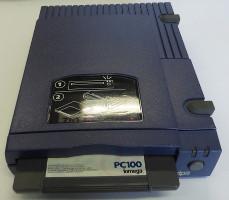 Iomega ZIP 100 Paralelo (COM.ALM.PC.0017.D) (1994)