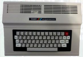 TRS-80 COCO 2 (1983) (ORD.0002.P/Funciona/Ebay/01-01-2012)